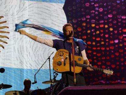 """Coldplay interpretó una versión de """"Música Ligera"""""""