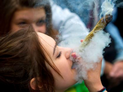 Proponen a Canadá la venta de cannabis usando Blockchain