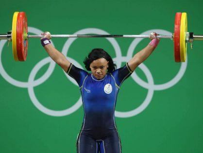 La levantadora de pesas, Neisi Dajomes, es campeona sudamericana