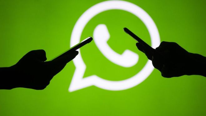 WhatsApp introduce el modo oscuro